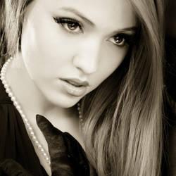 Glamour portrait - Anna by zieniu