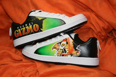 Gizmo shoes by Innom