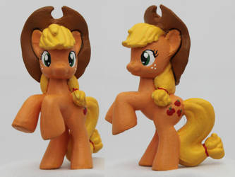 Blindbag Applejack with hat by Aldriona