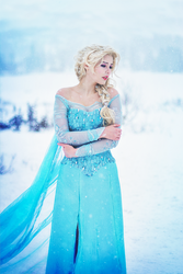 Elsa by StarbitCosplay