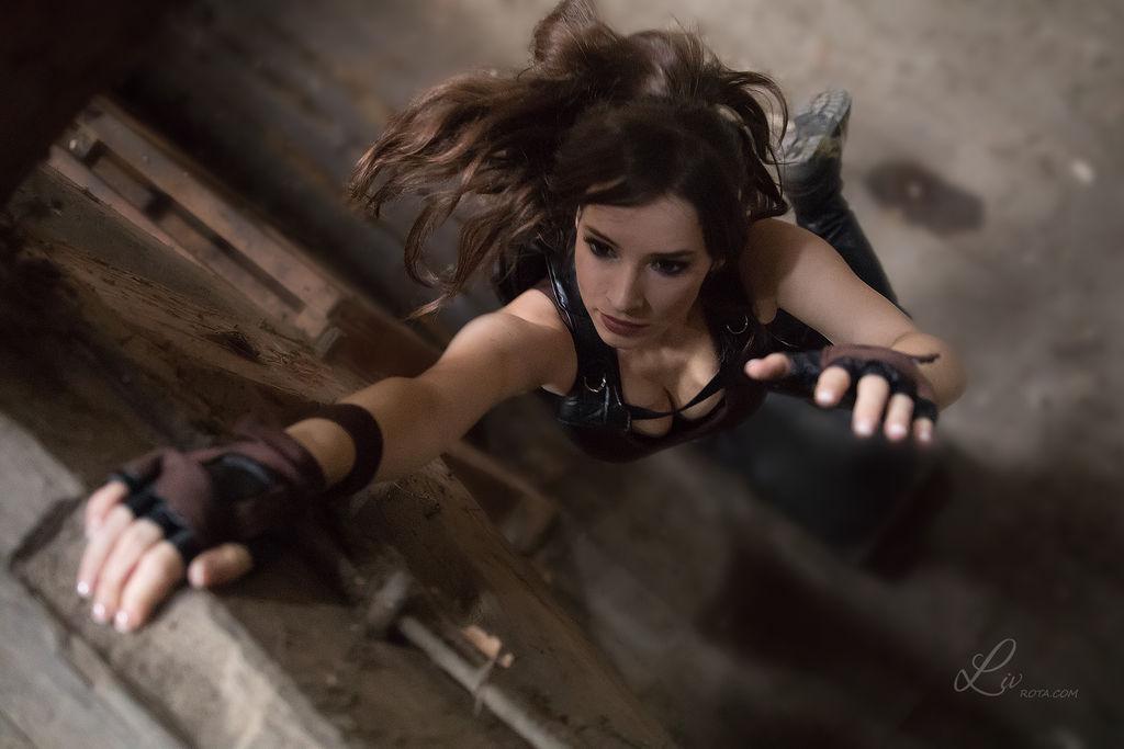 Lara Croft - Tomb Raider cosplay I. by EnjiNight