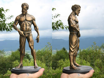Harry statue outside by mojette