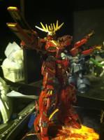 Red/Gold Gundam Unicorn: Banshee by ZanderYurami