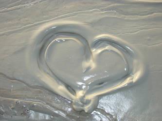muddy heart by kaleydo