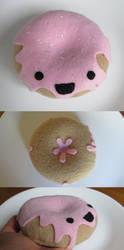 Glazed Donut Plush by Neoitvaluocsol