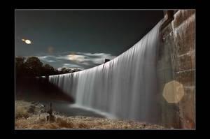 les eaux troubles IV by Anrold