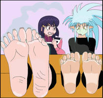 Ayeka and Ryoko's Smelly Feet by TemariTentenLover