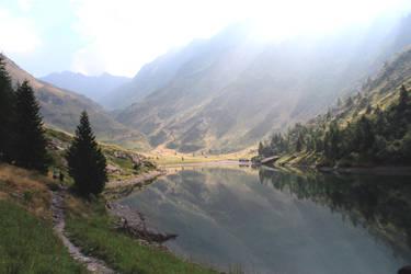 Gleno Lake by elainoelloc