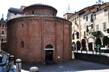 Mantova - Rotonda di S. Lorenzo by elainoelloc