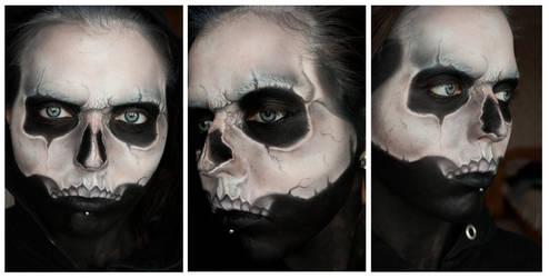 Skull face by xAsOnex