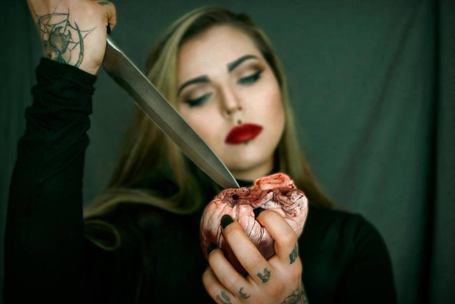 Heart stabber II by xAsOnex