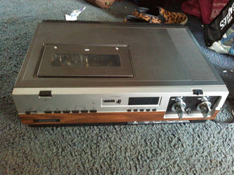 Sylania VC-2210 VCR man. Oct.1981  Rescued by KingSexyStudKitty
