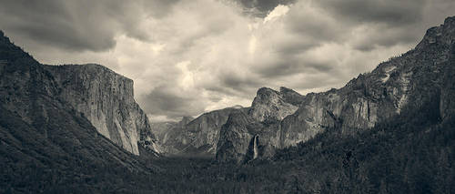 Yosemite tunnel view on Good Friday this year.. by PerryGallagher