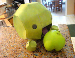 La Likes Apples by CheeseWeebie