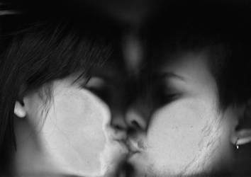 kiss kiss by roksannar