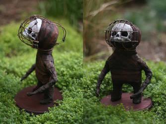 'Cage head' - Midget sculpture by torvenius