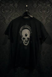 Black crown skull t-shirt by torvenius