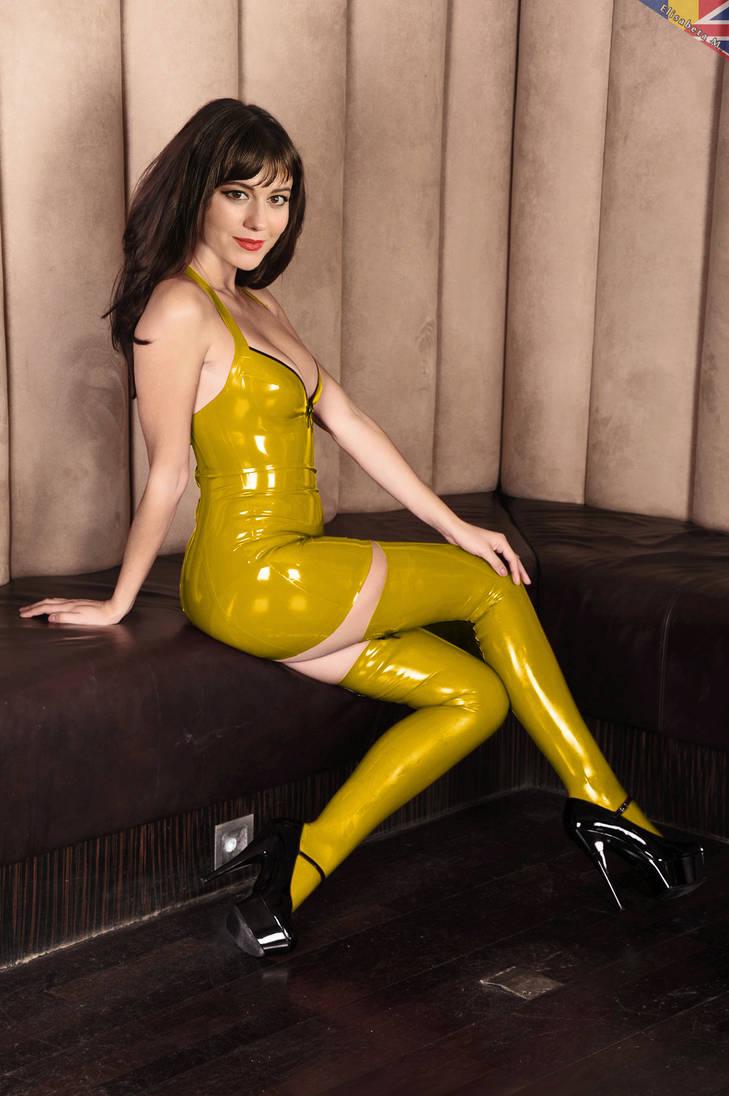 Mary Elizabeth Winstead latex fake 03 v03 yellow by ElisabetaM