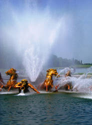 fountain of Versailles by MeadowFay