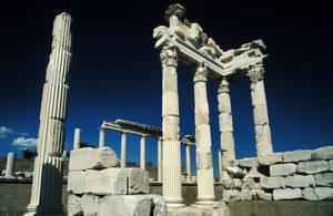 Roman ruins by hipe-0