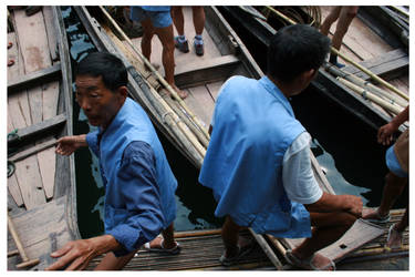 boatspeople 1 by DieSektion