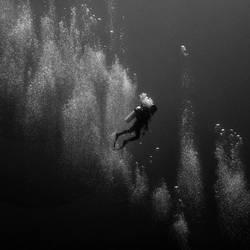 descend by Hengki24
