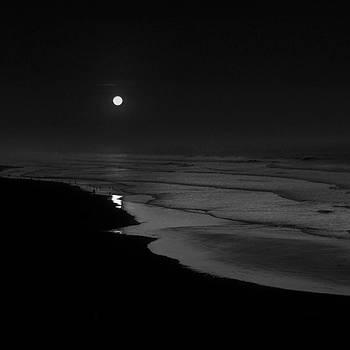 Moon Shadow by Hengki24