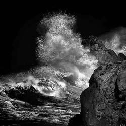 Sea Cliff by Hengki24