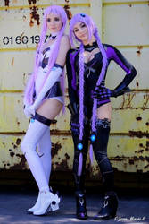 Neptune and Nepgear cosplay by NineetNora