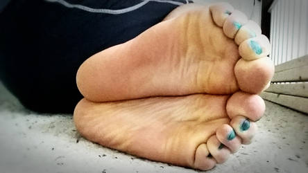 Soft Delicate Toes by googleygoogz