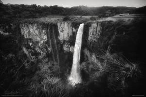 Silvery Falls by Miguel-Santos
