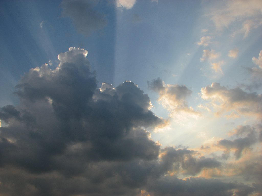 Sun drown in clouds by yachoo