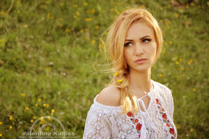 Romanian Girl by ValentinaKallias