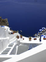 Down to the sea, Santorini by womanwithagun