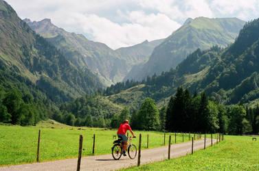 cycling by tobiasz85