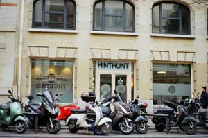 Paris Beaubourg: HINTHUNT by neuroplasticcreative