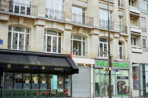 Rue Beaubourg: Laveur de vitres by neuroplasticcreative