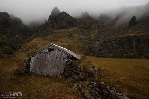 Misty Hills by nahojsennah