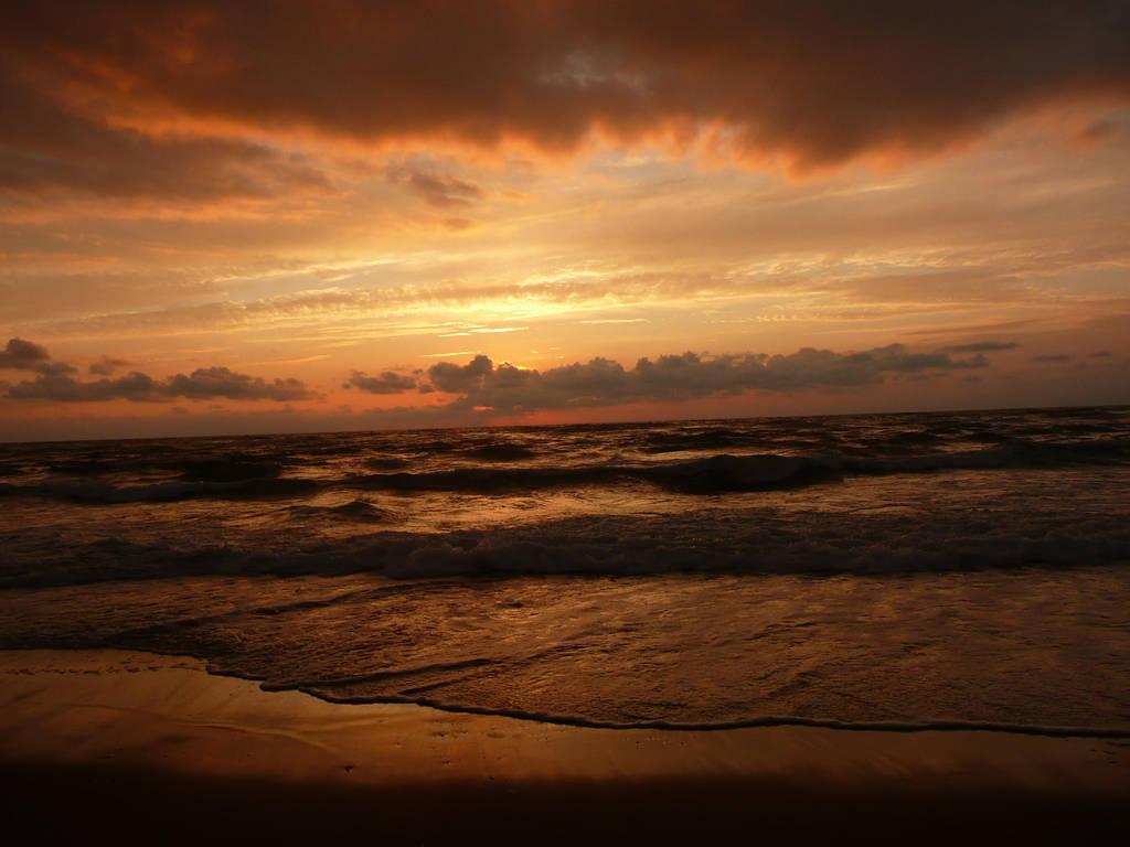 Sunset in Vieux Boucau by roman2