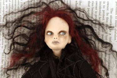 Artist photo of gothic doll by livingindarkness
