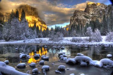 Yosemite Winter by merzlak