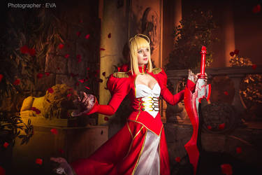 Red rain  - Saber/Extra from Fate/extra by SelenaAdorian