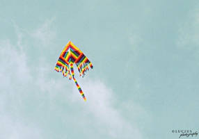 Rainbow kite by LuciusThePope