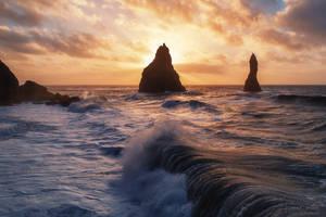 The surf of Reynisfjara Beach by LinsenSchuss