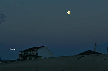 Moon Rise by jcphotos