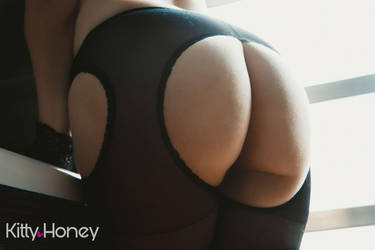 Pantyhose Kink Booty by Kitty-Honey