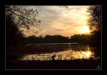 Quiet Waters by JeremyIBBC