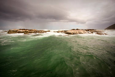Stormy weather by H6RM