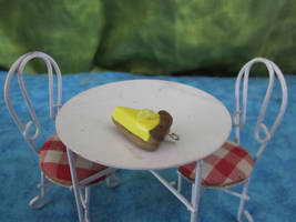 Yellow Pie Charm by sonickingscrewdriver