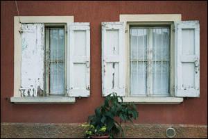 Old photos - Facing window by jorgeluis